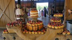Cupcake with Top Cutting Cake