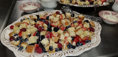 Original with berries cubed-white tray.j