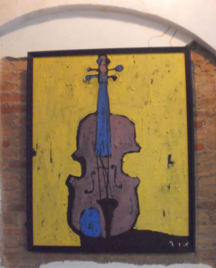 re-The violin in Jan 2011 No1.jpg