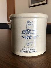 Hettinger, North Dakota crock