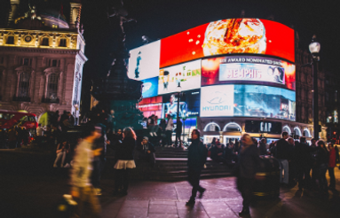 piccadilly-circus-926802_1920.png