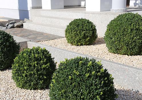 Jardin minéral paysager élégant et chic dans la région bordelaise