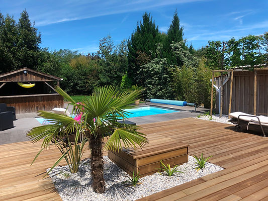 abord-piscine-terrasse-merignac.jpg