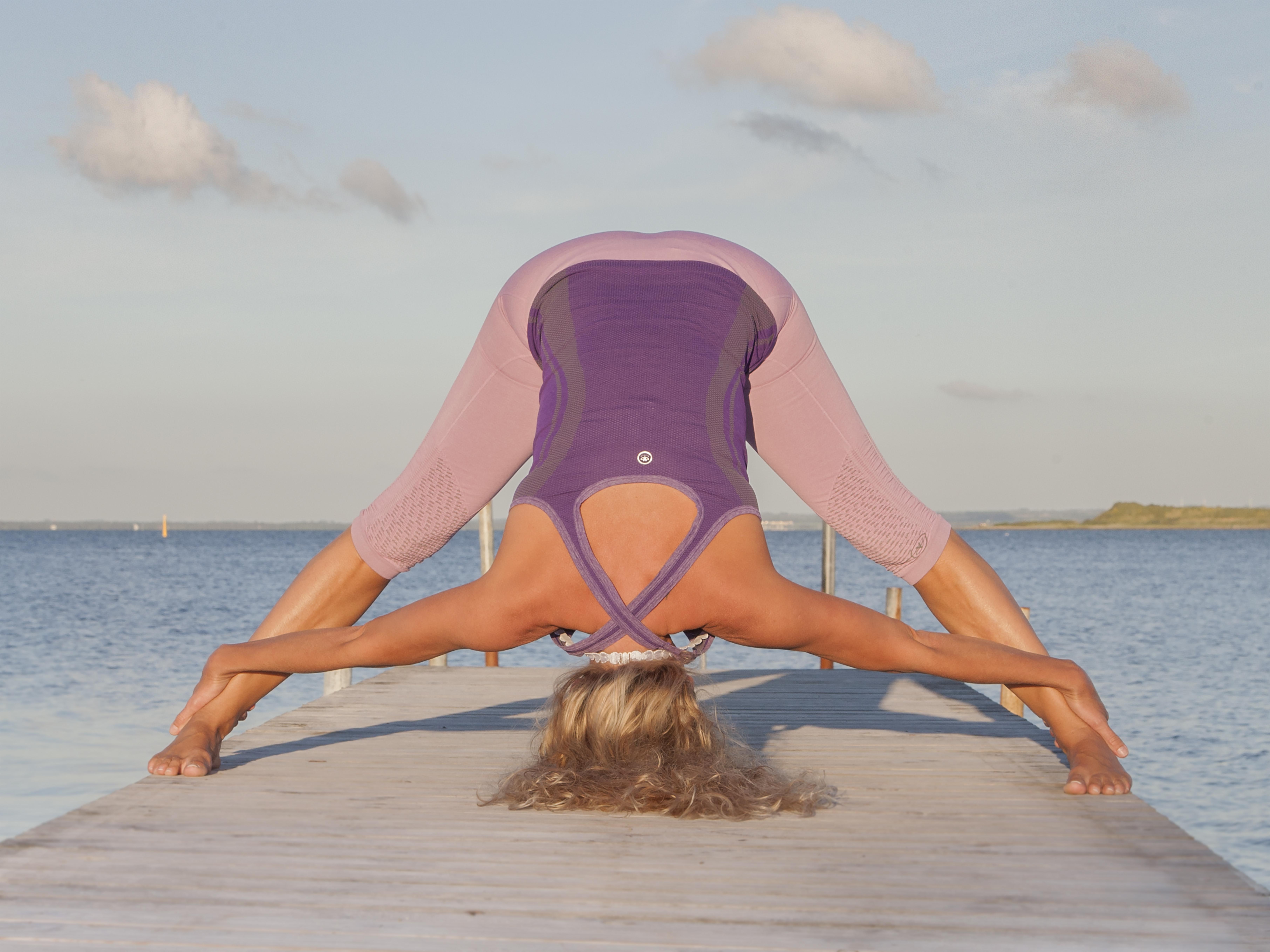 Betiina Larsen - Krone - Yoga