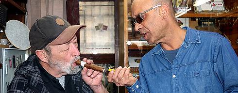 יורם בן דהן מומחה להתאמה של סיגרים וסיגרלות בהתאם למחיר ולנסיון