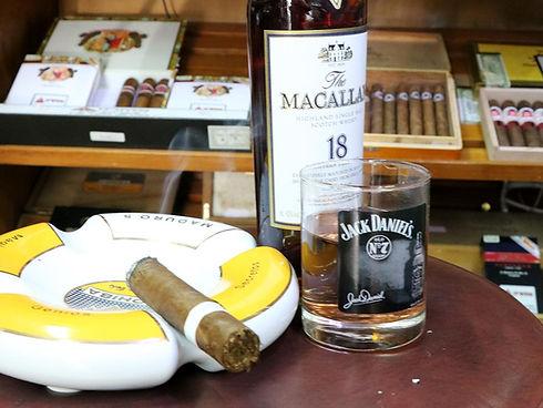 אירועים, סדנאות מסיבת רווקים, פעילות גיבוש עם סיגרים ואלכוהול