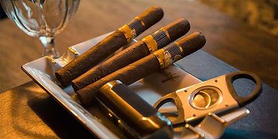 אש טבק סיגר קובני