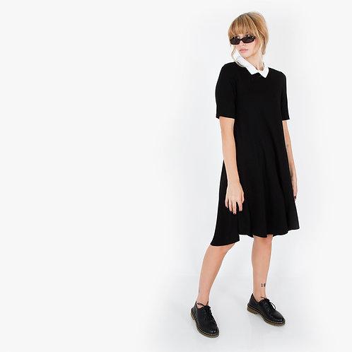 שמלת קולג' שחורה