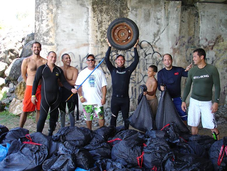 PRFreedivers BeachCleanup Volunteers
