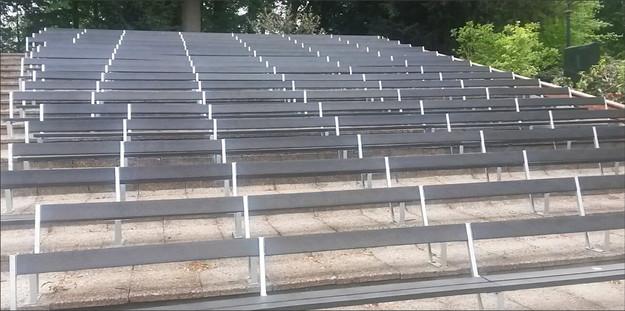 Tribuna, lavice, desky, stadion, hřiště.