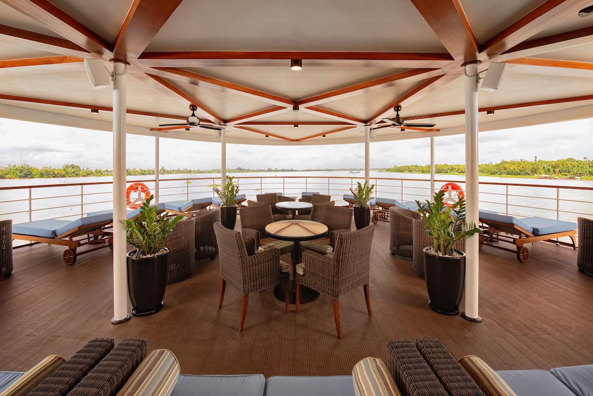 Avalon_Saigon_Observation Lounge_01.jpg