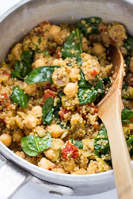 one-pot-mediterranean-quinoa-2.jpg