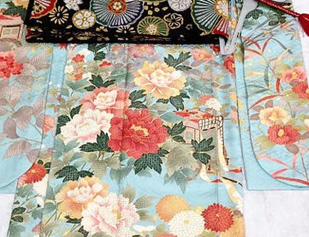 Trend Warna dan Pattern pada Kimono
