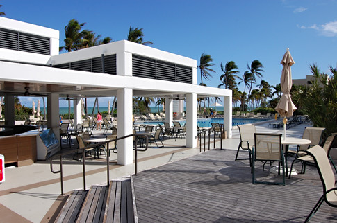 Oceanfront Pool Lounge
