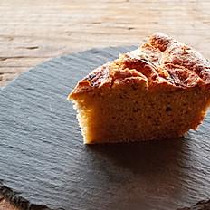 シナモン風味のバナナケーキ