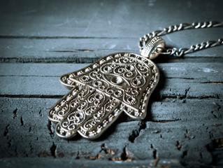 ¿Cómo magnetizar un amuleto?