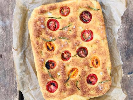 Opskrift på verdens bedste brød - glutenfri focaccia. Smagsprøve på kogebogen.