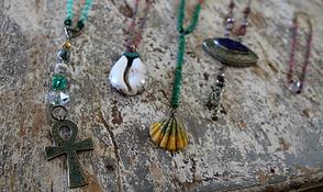 Protection pendants