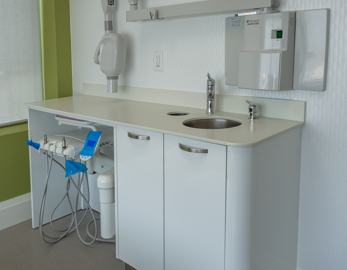 Vaughan-Childrens-Dentistry-Custom-Side-