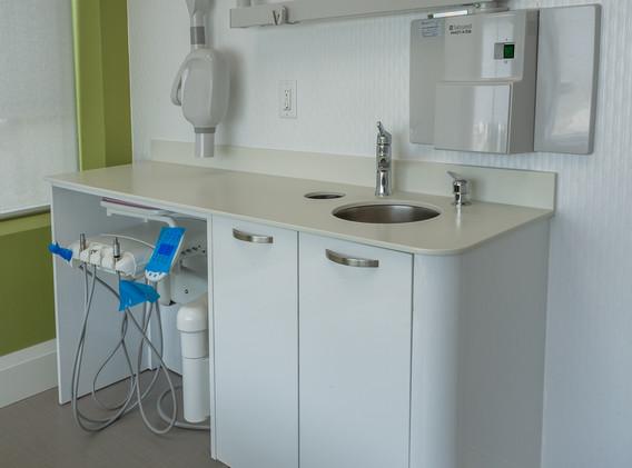 Vaughan-Childrens-Dentistry-Custom-Side-