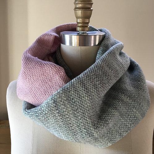 LUX Cowl in 100% Merino wool - Rose & Celadon