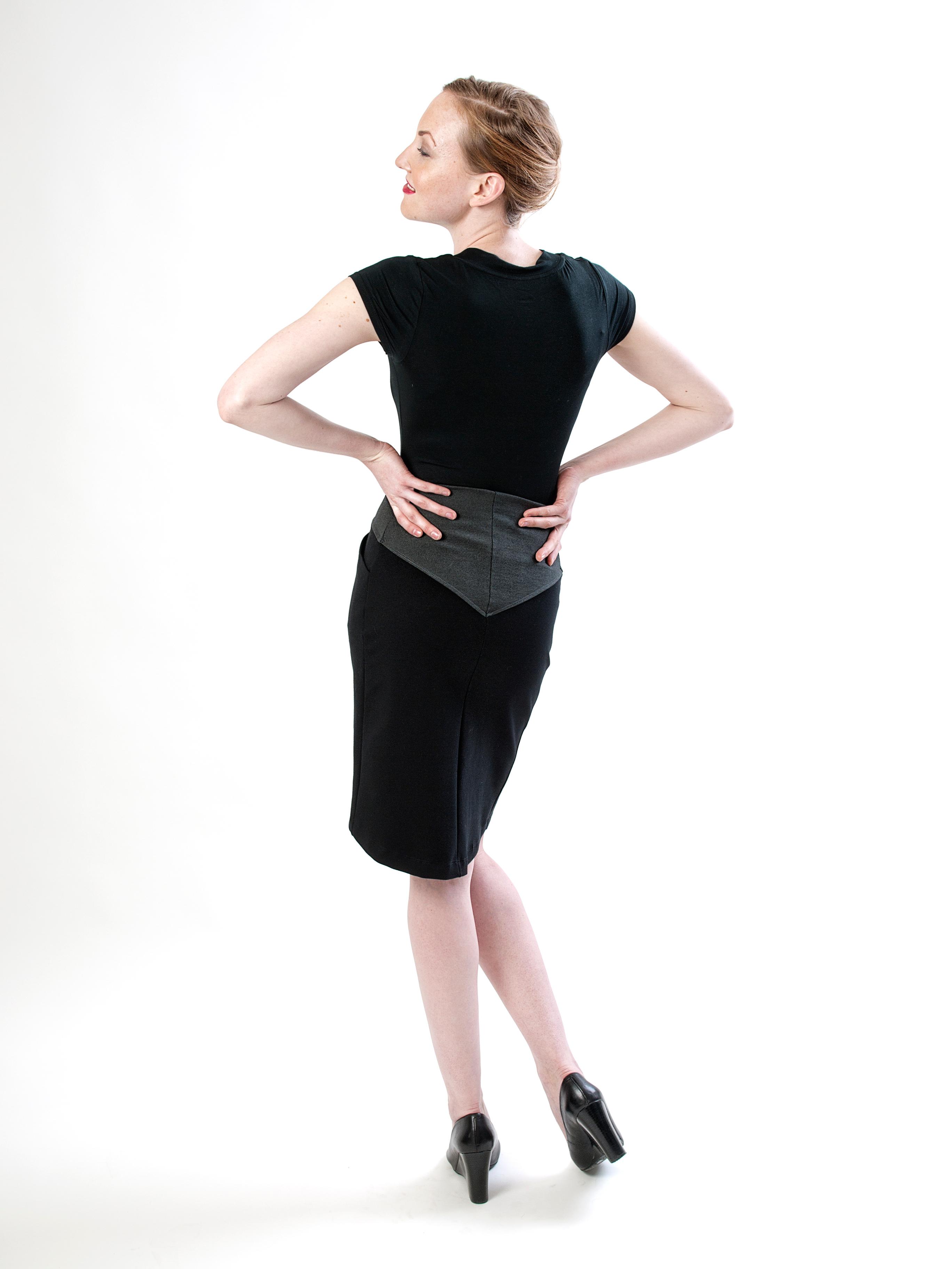 Angled yoke skirt