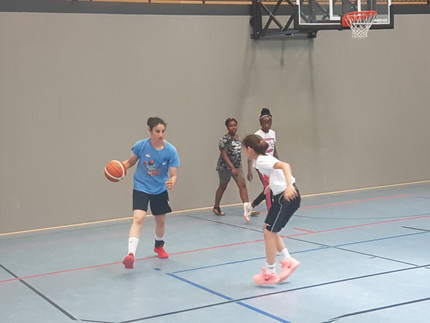 MädelsGO!Basketball – Klein meets Groß