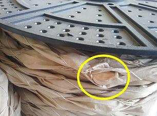05.특수종이와 면실로 감싸진 마늘종구.jpg