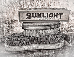 Sunlight Soap with Brushes