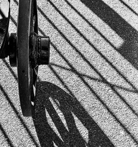 Wheel and gate shadow pattern