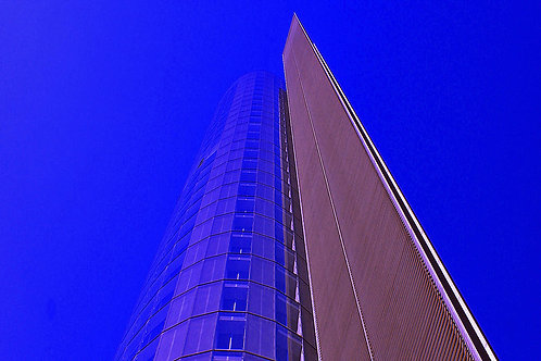 RWE Turm blau
