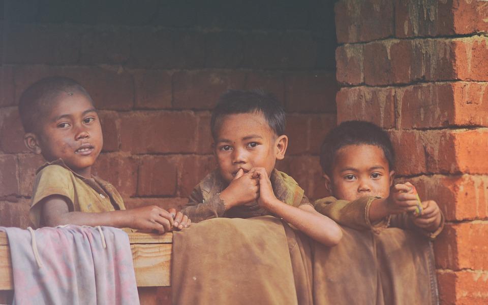 poverty-2035694_960_720.jpg