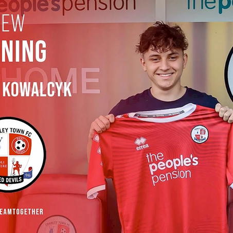 Kowalcyk signs professional with Crawley Town