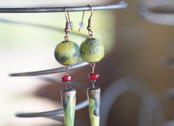 Boucles d'oreilles laine et céramique - vert