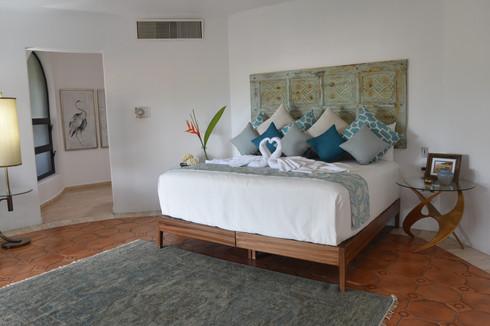 Lizzie - Bedroom 1.jpg