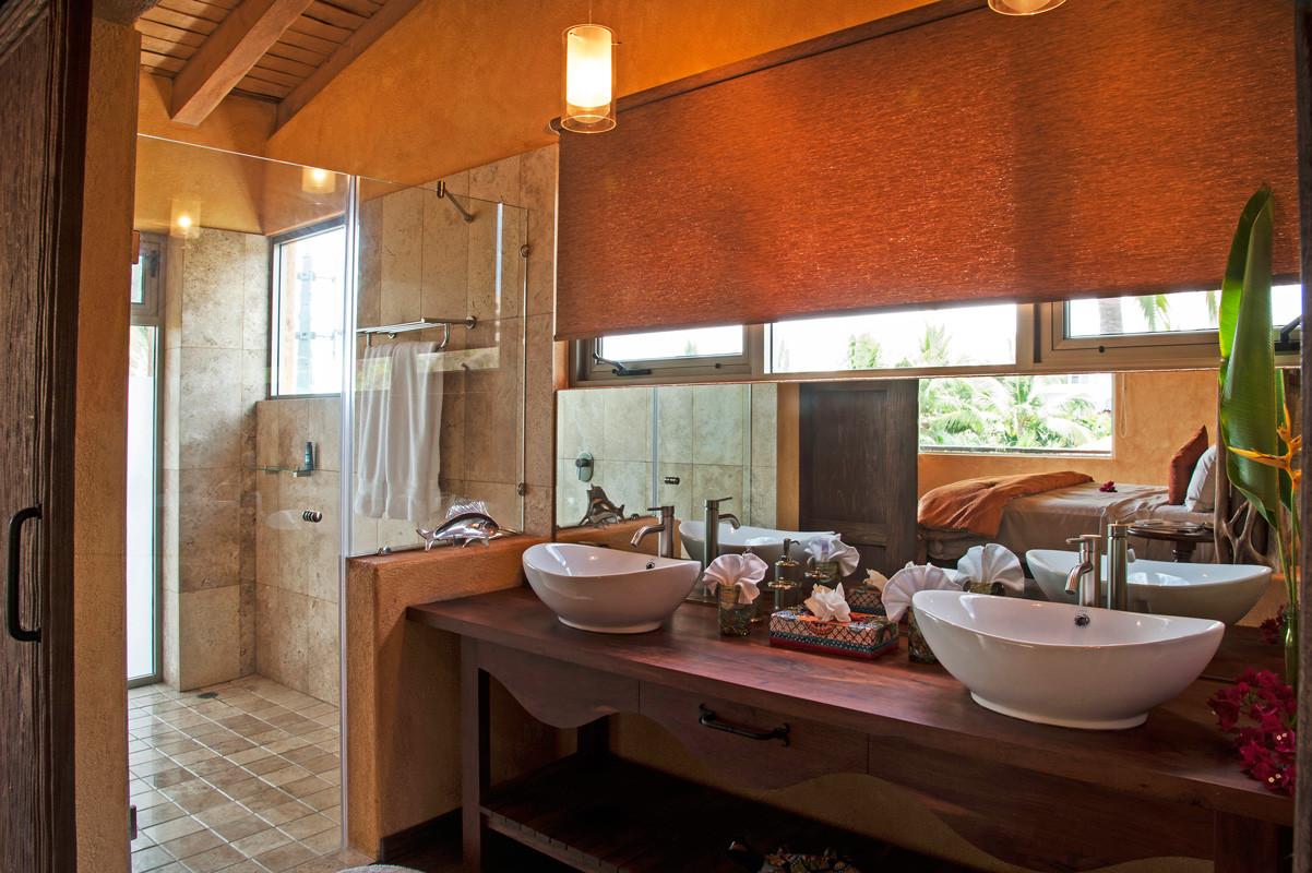Sofia Bathroom 3.jpg
