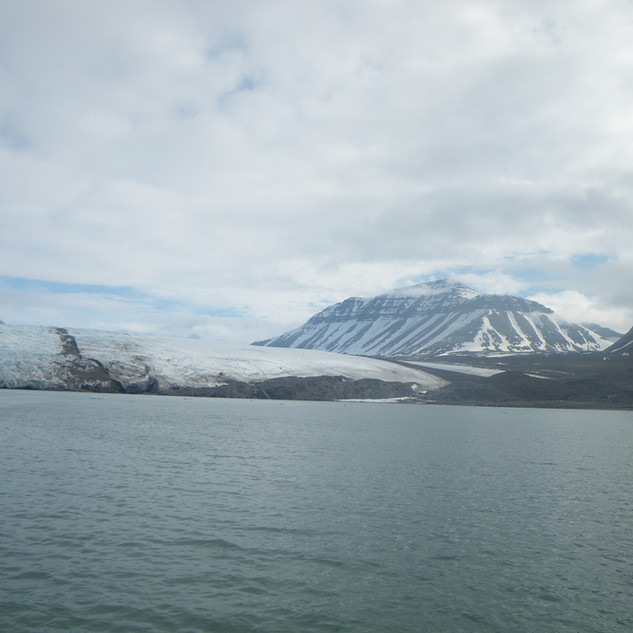I start to bear witness of a mythical creature... Nordenskiold glacier... what an ethereal spectacle to behold...