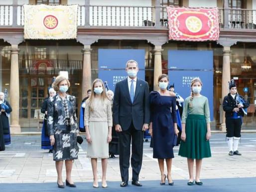 Los Reyes acompañados de Sus Altezas Reales, presidieron el acto de entrega de los premios FPA 2020.