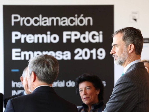 """Su Majestad el Rey presidió el acto en el que se proclamó el ganador del """"Premio FPdGI  2019."""