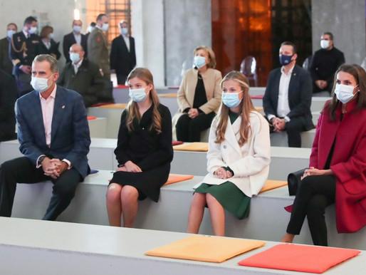 Los Reyes, la Princesa de Asturias y la Infanta Doña Sofía visitan en Oviedo, la FPábrica en Premios