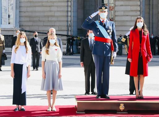 Los Reyes junto a la Princesa Leonor y la Infanta Sofía, presiden el Día de la Fiesta Nacional.