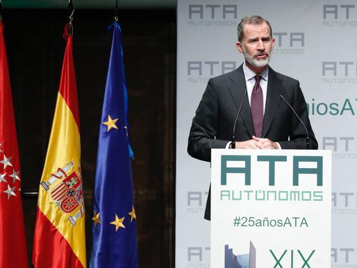 El Rey Felipe VI presidió el acto de entrega de los Premios Autónomo del Año.