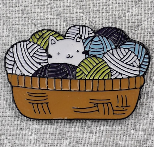 Yarn Basket with Kitty Pin