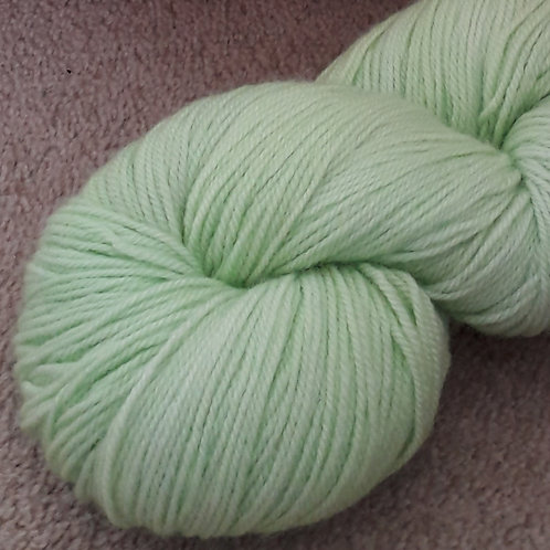 Leaf Green 4 Ply