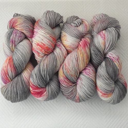 Ageing Blooms 4 Ply