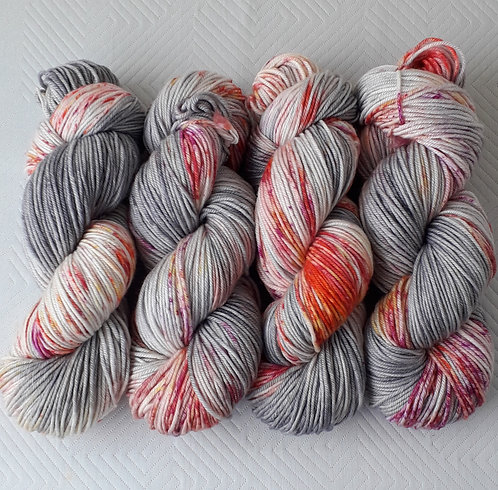 Ageing Blooms 8ply
