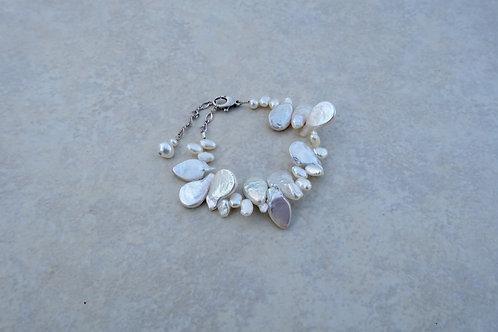 Wibble Wobble Pearl Bracelet
