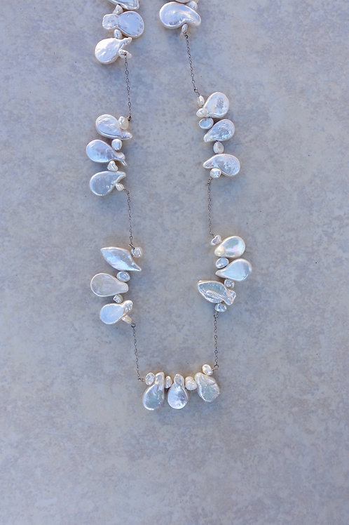 Wibble Wobble White Pearls