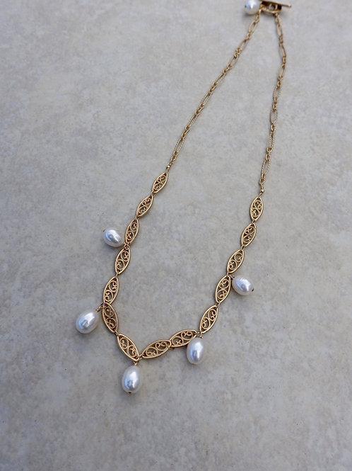 Rice Pearl Filigree Chain Necklace