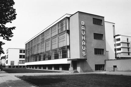 Bauhaus spegne 100 candeline: i festival in programma e la riscoperta dei caratteri tipografici